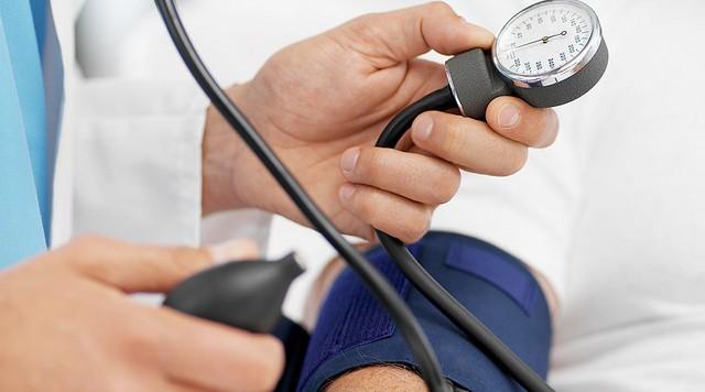 paveldimas polinkis į hipertenziją 3 laipsnio hipertenzija kokius vaistus vartoti