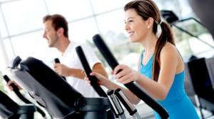 Vyras ir moteris sportuoja