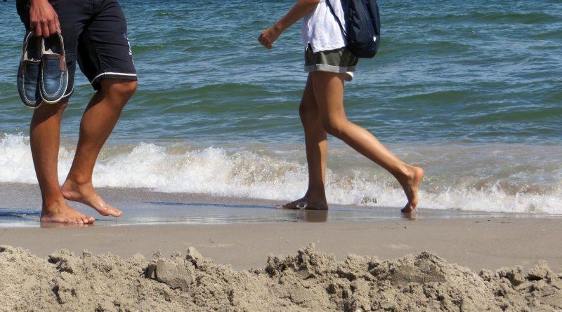 Saulės ir šilumos smūgis – kaip išvengti ir padėti nukentėjusiajam?