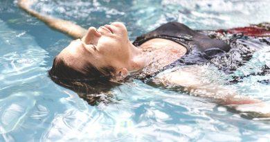 Mankštos baseine – nauda sveikatai ir grožiui